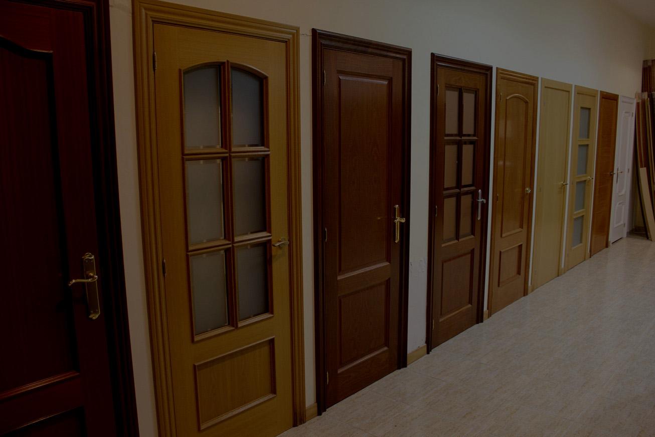 Puertas de interior y blindadas for Cristales para puertas de interior en barcelona